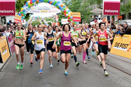 Maja Neuenschwander (vorne rechts, rot) am Frauenlauf 2011, Bild: www. frauenlauf.ch
