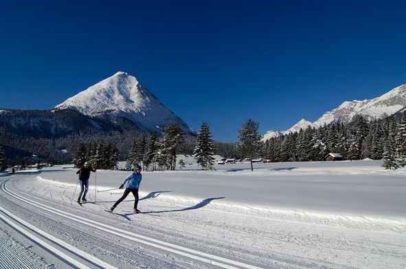 Langlaufen ist ein perfektes Wintertraining