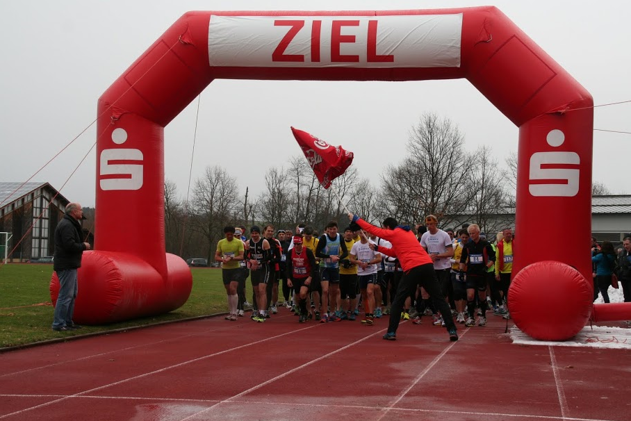 Start des 3. Ottobeuren Halbmarathons - Michael Romberg mittendrin