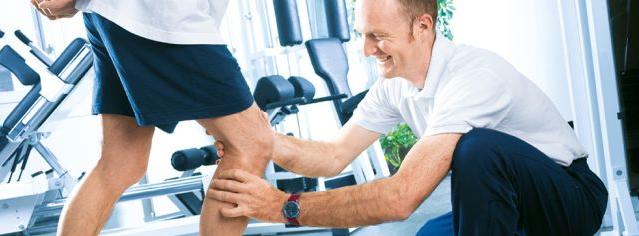 Die Physiotherapie spielt eine zentrale Rolle in der Therapie